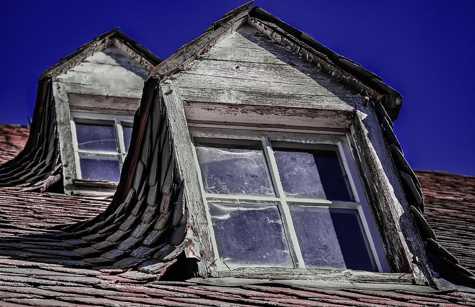 re-caulk your windows, windows caulking, windows caulk, windows caulking, re-caulk, caulking in Toronto, residential caulking, commercial caulking, caulking services